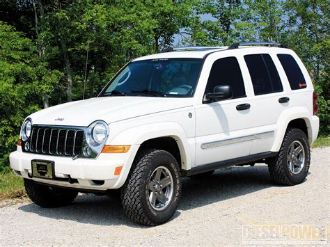 jeep white liberty 2005 jeep liberty white 200 interior and exterior images