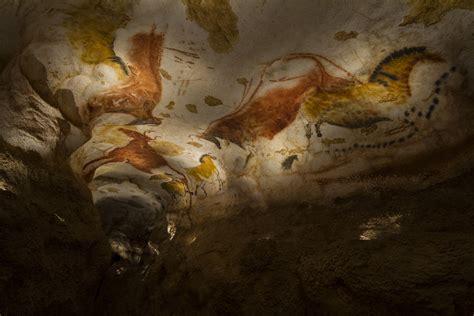 Fac similé de la grotte de Lascaux comme à la bougie