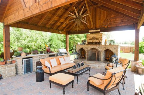 outdoor entertainment area  fireplace  covering
