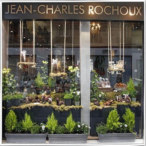 idee de vitrine magasin les 25 meilleures id 233 es concernant vitrines de magasins sur vitrines exposition de
