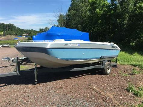 Four Winns Boats Pictures by 1989 Used Four Winns 180 Canida Deck Boat For Sale
