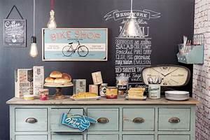 Boite à Café : rangement cuisine d co mural pratique c t maison ~ Teatrodelosmanantiales.com Idées de Décoration