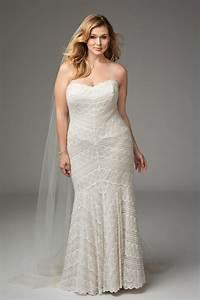 14 fabulous plus size wedding dresses for 2017 brides for Size 0 wedding dresses