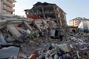 7.3级强震袭击土耳其 200余人遇难上千建筑坍塌(组图)-搜狐滚动