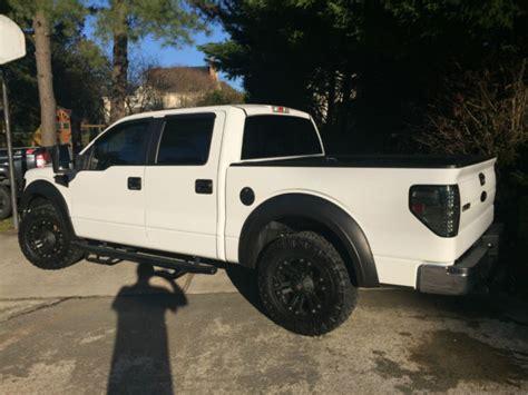 ford  xlt supercrew white blacked