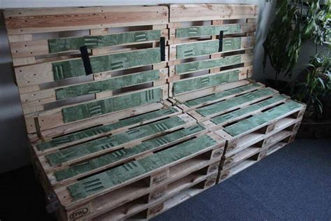 Pallet Settee by Diy Upholstered Pallet Settee Pallet Sofa 99 Pallets