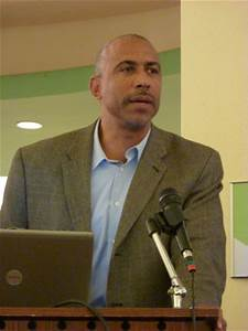 Symposium discusses challenges facing African American ...