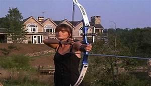 Paulina Porizkova-back of house - Hooked on Houses