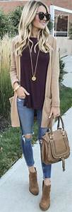 Amazing winter outfit ideas for women over 40 22 - Fashionetter