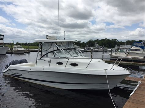Hydra Sport Fishing Boats by 2004 Used Hydra Sports 2800 Walkaround Sports Fishing Boat