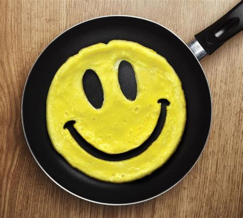 smiley face breakfast eggs mold pancakes shaped tweet