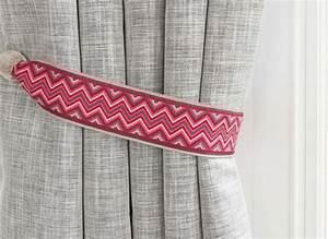Embrasse Rideau Design : d co embrasse pour rideaux type bracelet bresilien en rose blanc et gris ~ Teatrodelosmanantiales.com Idées de Décoration