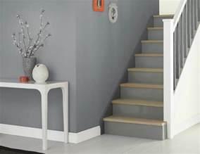 weiss grau wohnzimmer mit violett deko wohnraumgestaltung farbe wohnzimmer grau weiss ideen wohnraumgestaltung grau