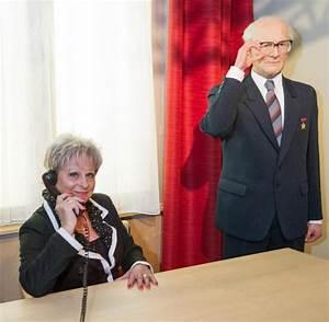 Stellenangebote Berlin Büro : nachbildung von honeckers b ro bei madame tussauds welt ~ Orissabook.com Haus und Dekorationen