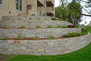 Retaining Wall   Benson Stone Co.   Rockford, IL