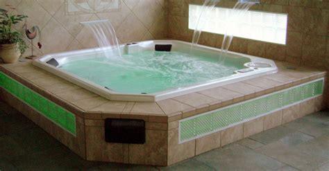 Hot Tub : Custom Spa & Hot Tub Installation