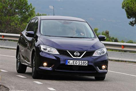 Nissan Pulsar hatchback pictures | Carbuyer