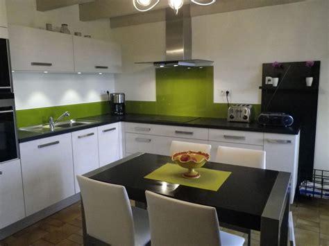 cuisine et couleurs arras couleur cuisine orange et vert divers besoins de cuisine