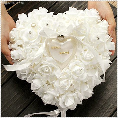 2019 wholesale love heart shape rose flowers day gift ring box wedding
