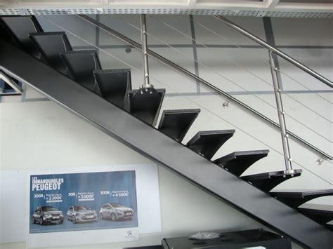 escalier limon central marche acier re inox fabrication produits dfci roquevaire suzan 2jm