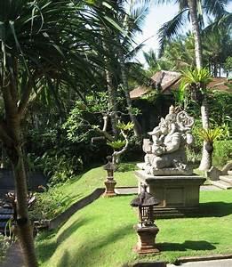 Statue Deco Jardin Exterieur : deco jardin bouddha deco parterre exterieur maisondours ~ Teatrodelosmanantiales.com Idées de Décoration