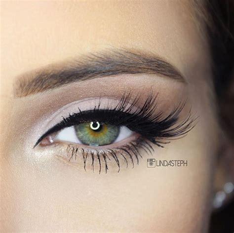 Правила макияжа для миндалевидных глаз