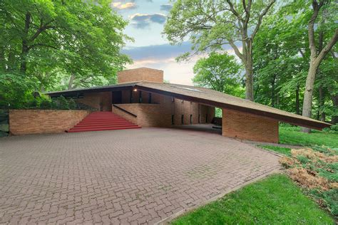 frank lloyd wrightdesigned house listed  st louis park