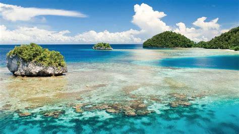 keindahan pantai sawarna wisata laut  ujung banten