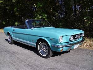 1965 FORD MUSTANG CONVERTIBLE - 137962