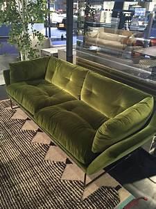 Canapé New York : canap new york suite et soft saba italia meubles steinmetz ~ Teatrodelosmanantiales.com Idées de Décoration