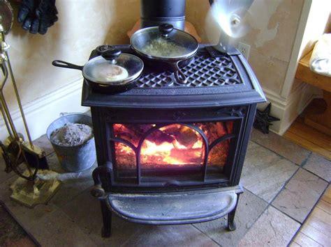 Best 25+ Small Wood Burning Stove Ideas On Pinterest