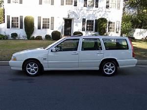1998 Volvo V70 Station Wagon
