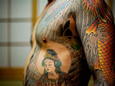 foto de 25 Breathtaking Yakuza Tattoo Designs SloDive