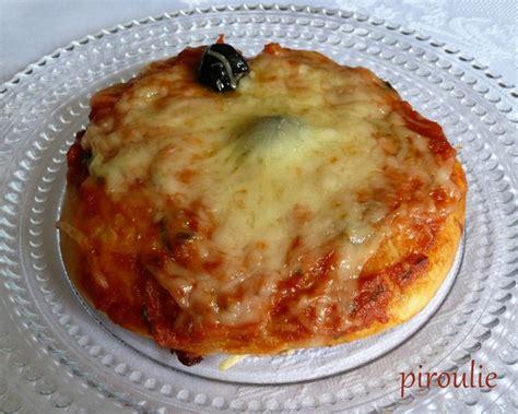 pizza avec fromage dans la pate mini pizza aux poivrons avec ou sans fromage p 226 tisseries et gourmandises