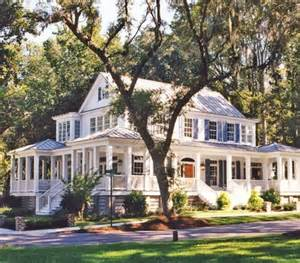 Stunning Images Houses With Big Porches by Farmhouse With Wrap Around Porch Farmers Porch