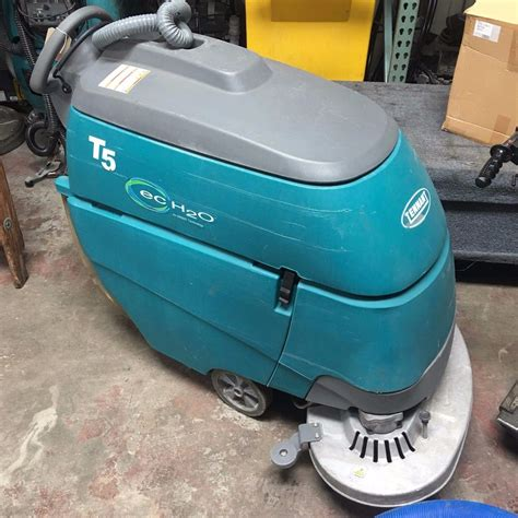 tennant floor scrubbers t5 used tennant t5 28 quot disk floor scrubber with ec h2o buy