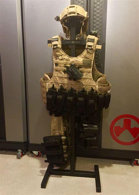 pin  guns tactical  style