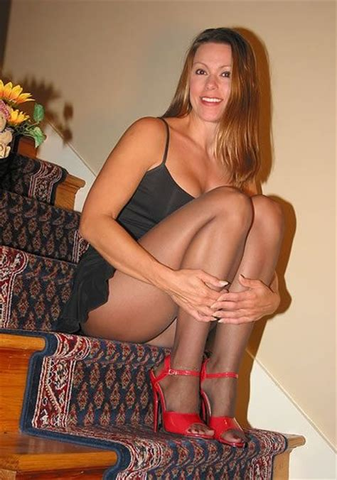 98 Best Milf Images On Pinterest Good Looking Women