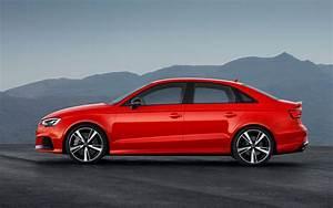 Comparison - Audi Rs 3 Quattro 2019 - Vs