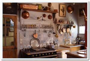 Old Country Kitchen Decor
