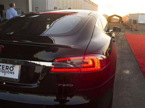 Tesla Model S P85d Sets New World Record (video