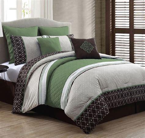 luxurious king size bed   bag  piece comforter set