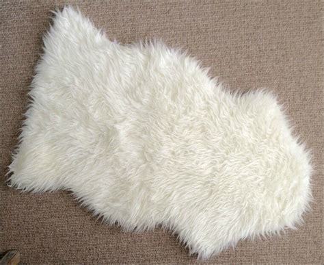 Sheepskin Rug Ikea by Ikea Faux Sheepskin Rug 40x24 Quot White Armchair Drape Soft