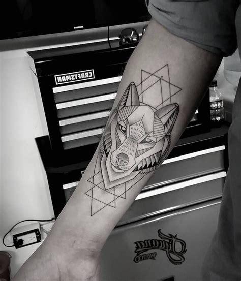 tatouage zebre geometrique