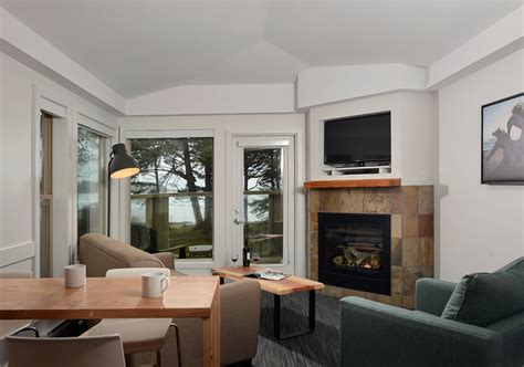 lighthouse suite tofino accommodations pacific sands
