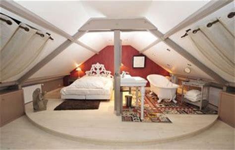 lit pour chambre mansard馥 decoration pour chambre mansardee