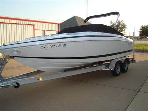 Cobalt Boats Cuddy Cabin by 2000 Cobalt 227 Cuddy Cabin Powerboat For Sale In