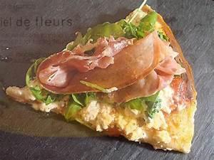 Recette Pizza Chevre Miel : recette pizza au ch vre miel de fleurs roquette et serrano ~ Melissatoandfro.com Idées de Décoration