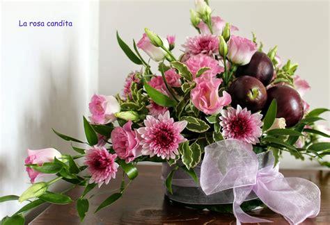 Rendi speciale il giorno di una persona che ami con i nostri fiori di compleanno. foto mazzi di fiori per compleanno