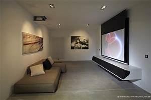 Beamer Leinwand Selber Bauen : in 10 schritten zum eigenen heimkino ~ Watch28wear.com Haus und Dekorationen